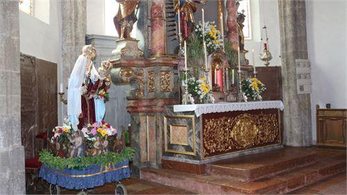 Maria Statue Pfarrkirche Puch