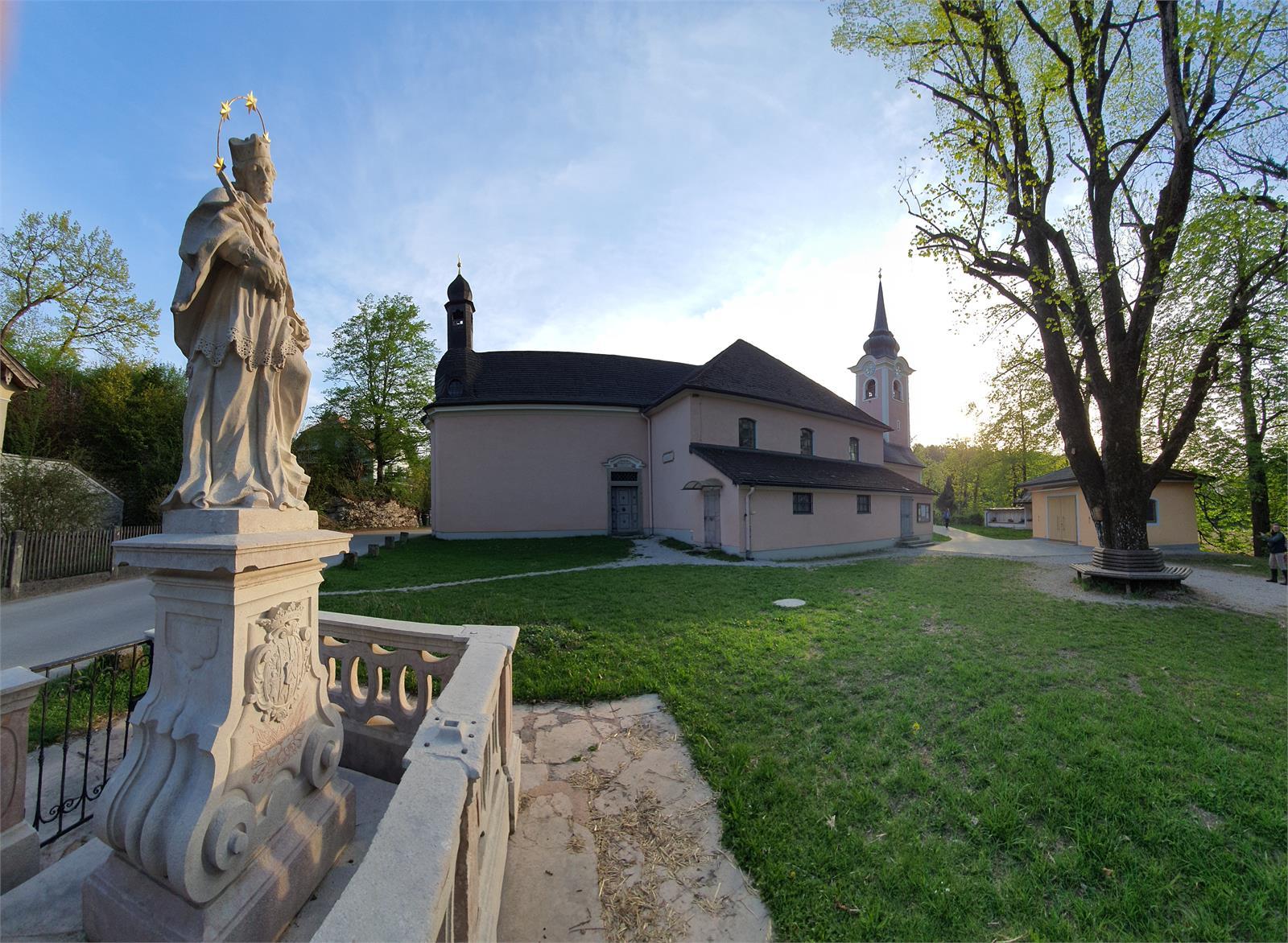 Wallfahrtskirche und Nepomukstatue in St. Jakob am Thurn | ©TVB Puch