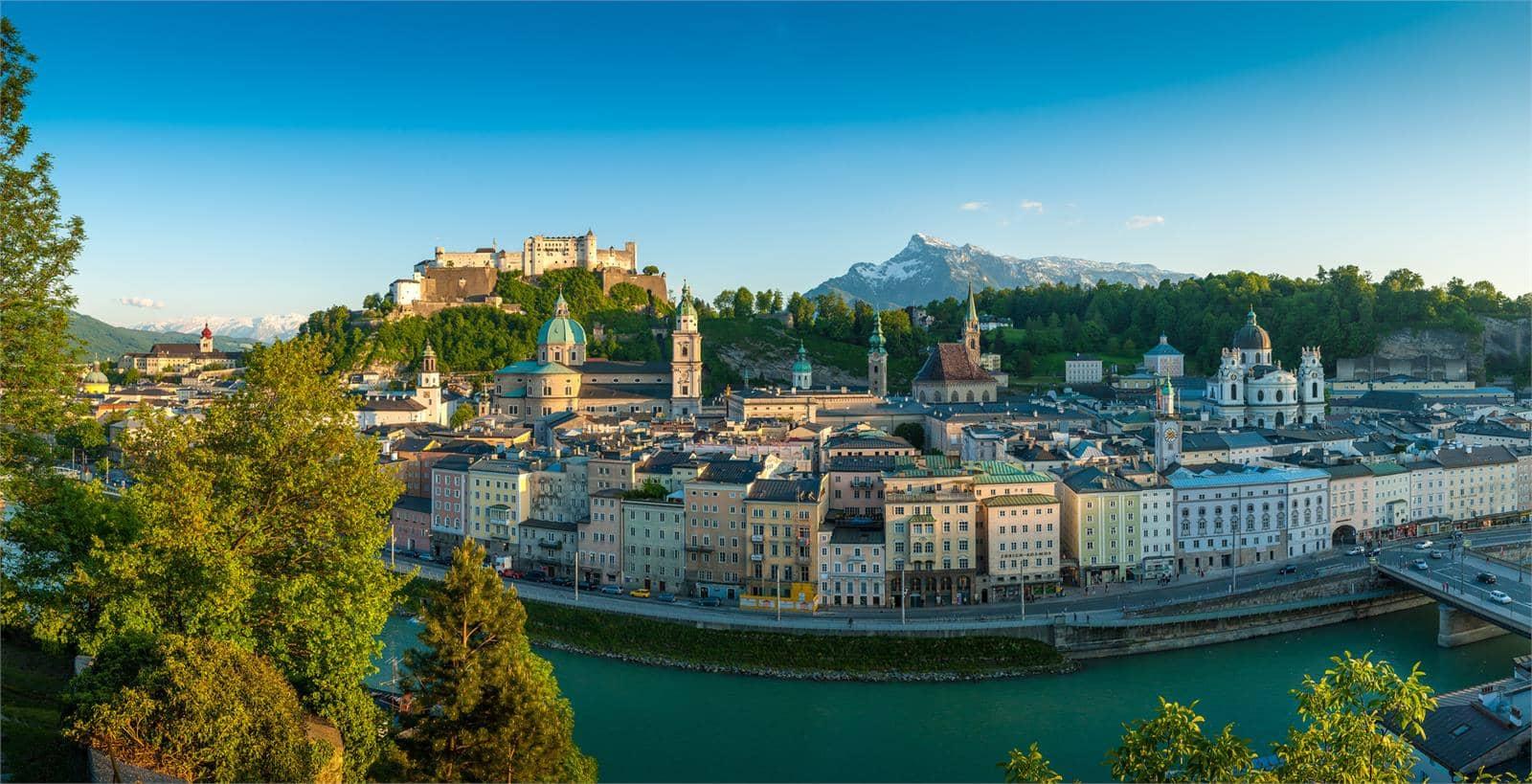Blick auf die Stadt Salzburg mit Salzach | ©Tourismus Salzburg - Günther Breitegger