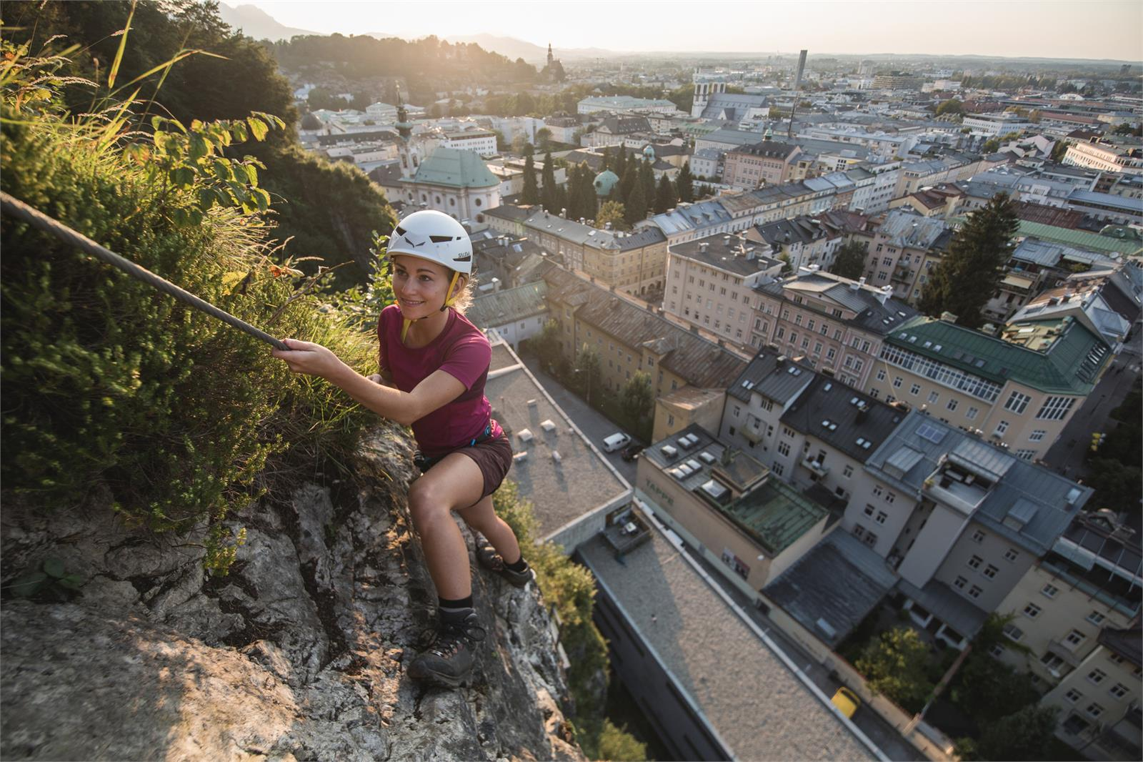 Klettersteig in der Stadt Salzburg   ©SLT - Michael Groessinger
