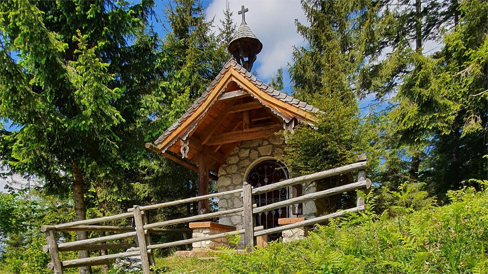 Hubertuskapelle auf der Schönalm in Puch | ©TVB Puch