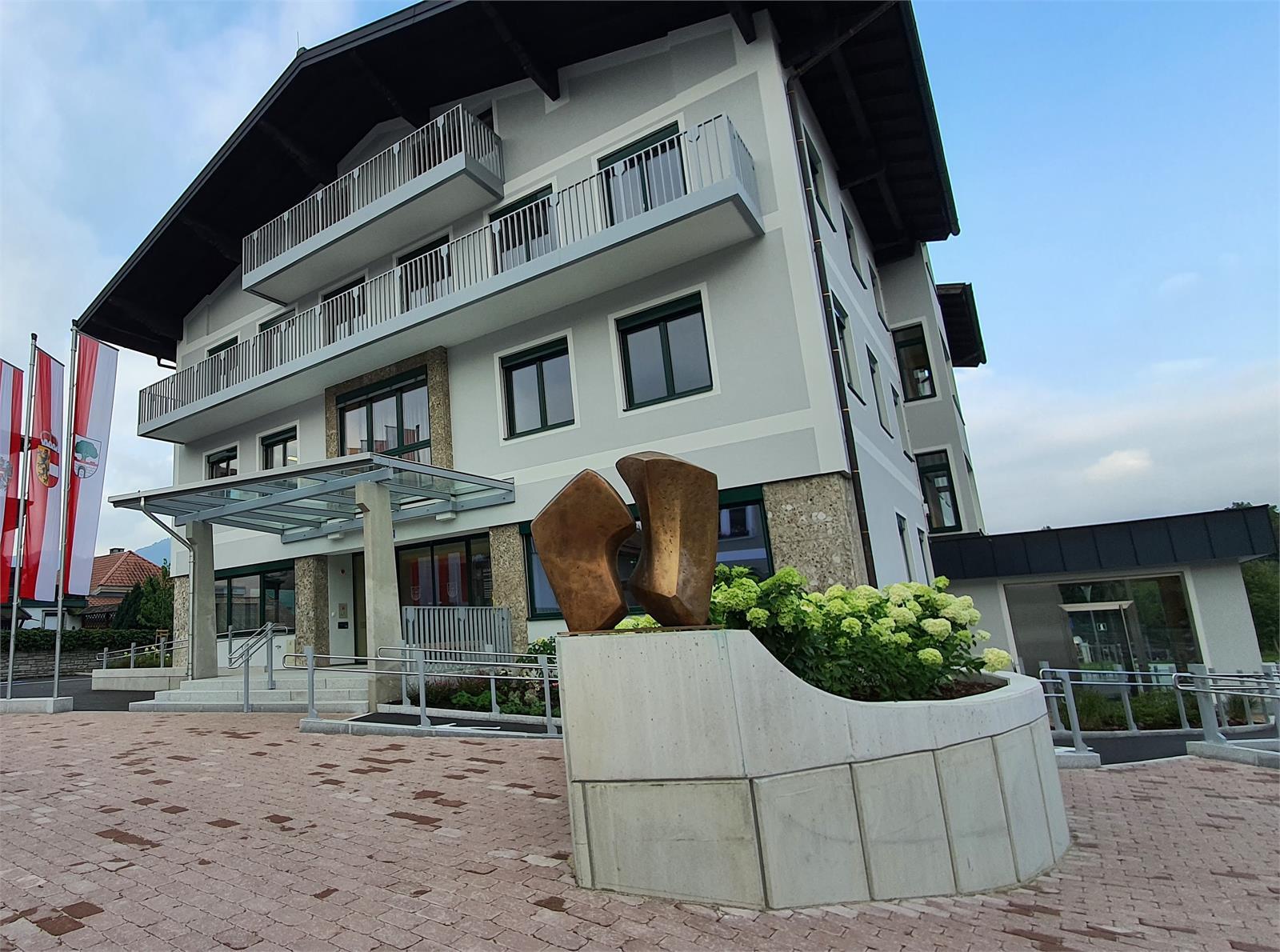 Gemeindeamt Puch mit Tourismusbüro | ©TVB Puch